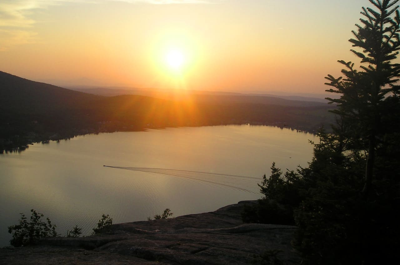 hiking Mt. Pinacle, Quebec. sunset views