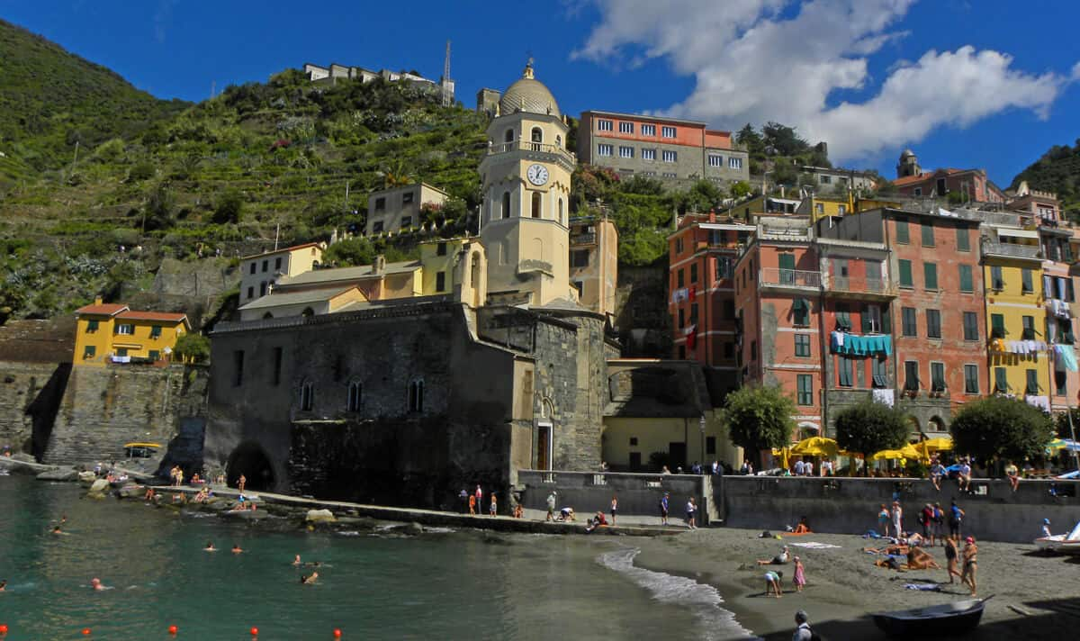 harbor in Vernazza, Italy. Why Vernazza is the best town in the Cinque Terre