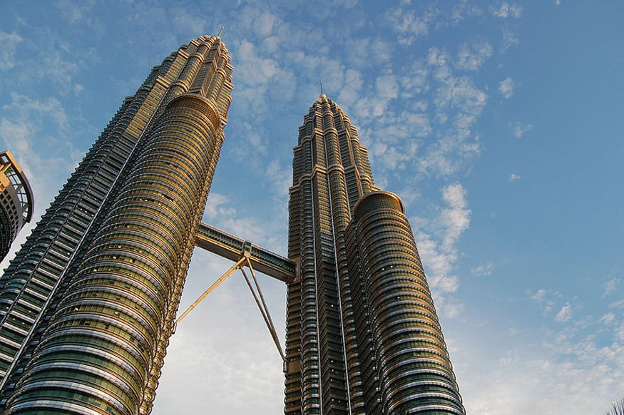 Petronas_Towers - commons wikimedia