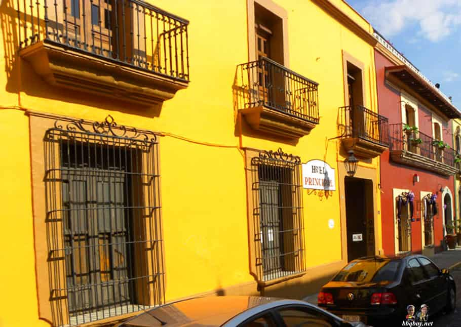 yellow house, oaxaca