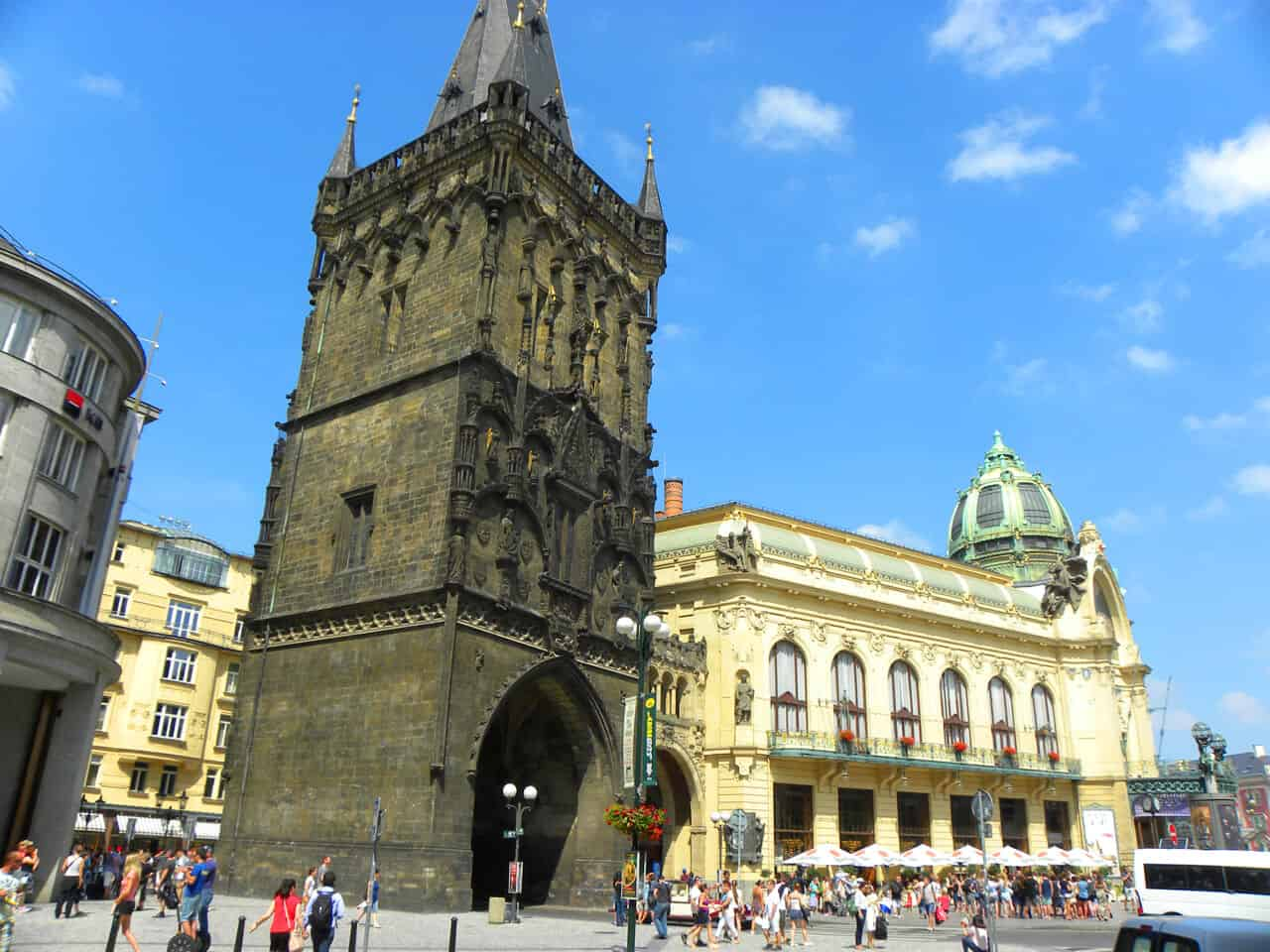 Powder Tower. Things to consider when choosing a guide in Prague