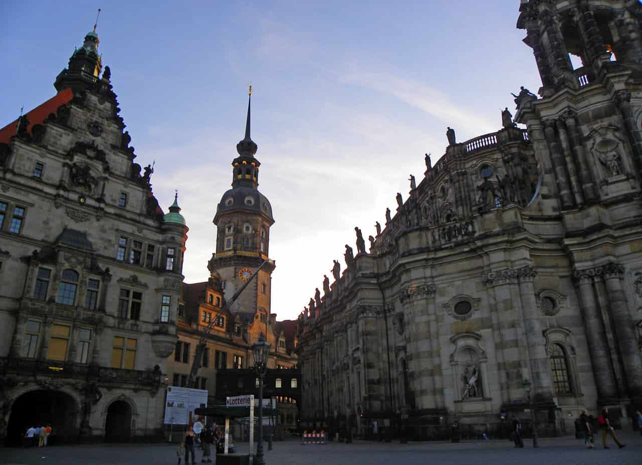 "Schlossplatz (""Castle"" Square). 10 things to see and do in Dresden"