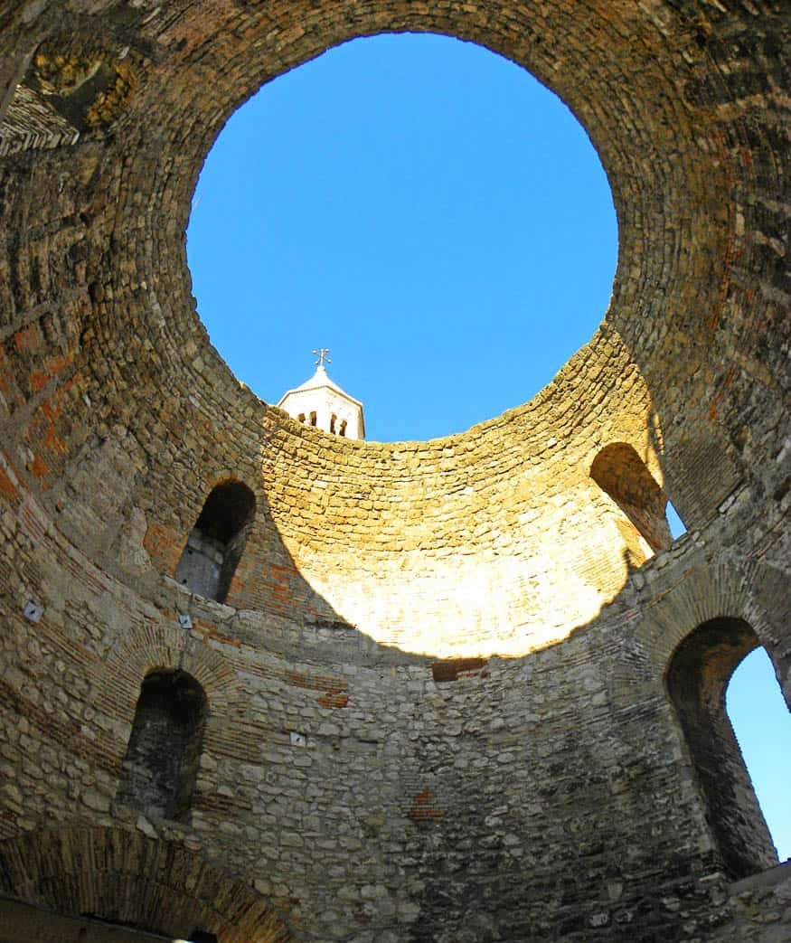 Vestibule. The Highlights of a Visit to Diocletian's Palace – Split, Croatia