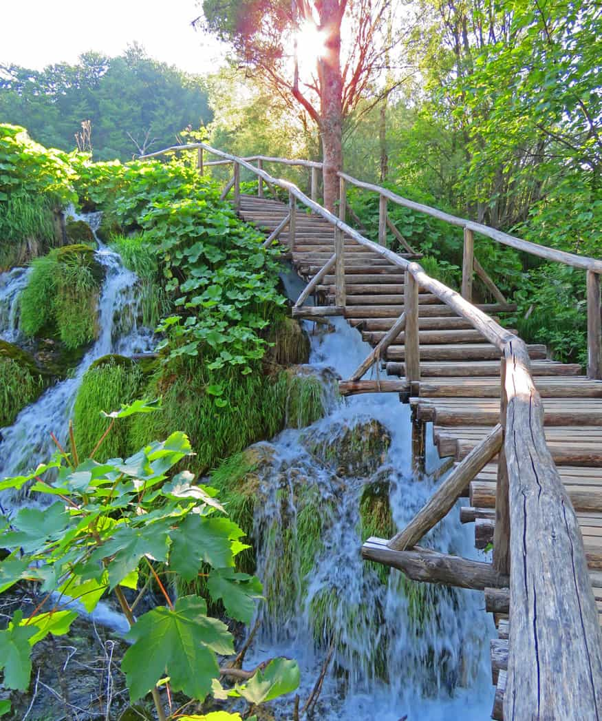 path in upper lakes. Tips on visiting Plitvice Lakes