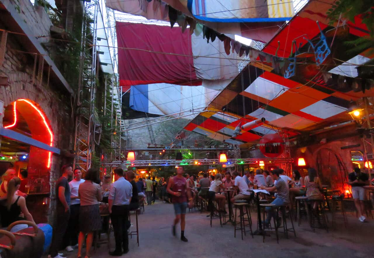 Szimpla Kert. The Coolest Ruin bars in Budapest