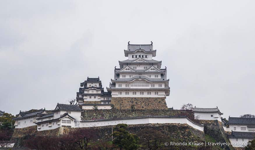 Himeji Castle, Japan. Travel Bloggers on Tourist Traps and Disappointing Places