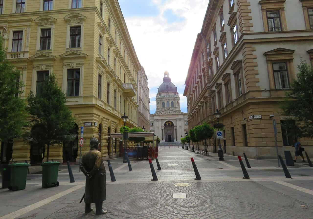 St. Stephen's Basilica, Budapest. What to See and Do in Budapest (and what to skip)