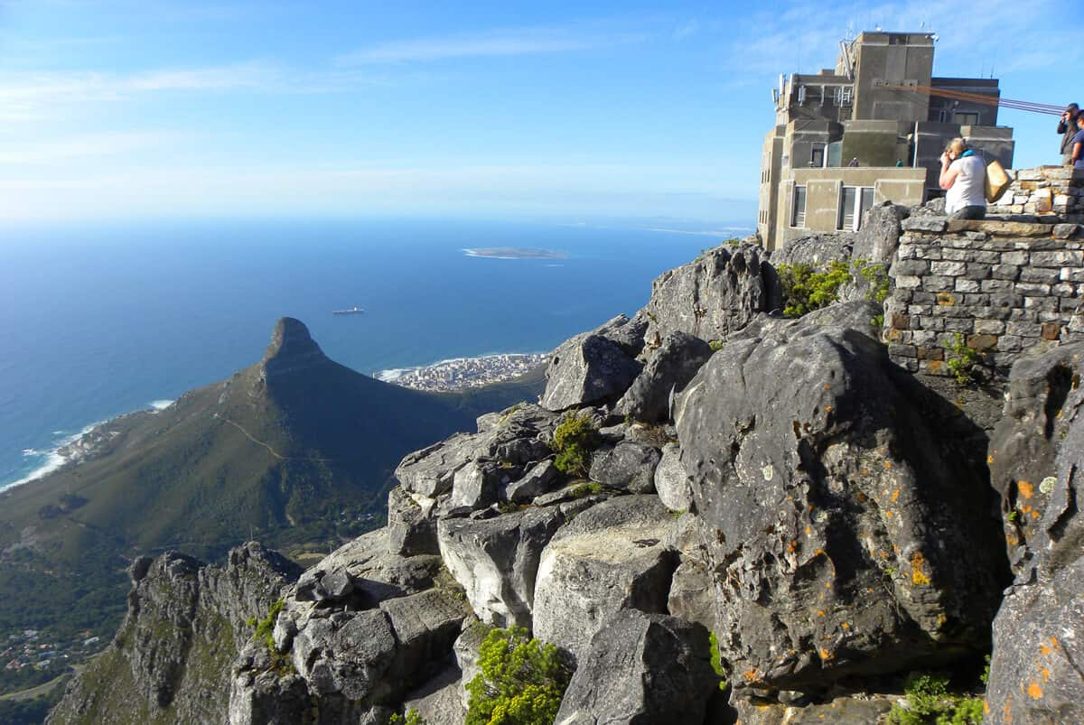 Lion's head and Cape Town from Table Mountain. What you need to know about taking the Cable car up Table Mountain, Cape Town