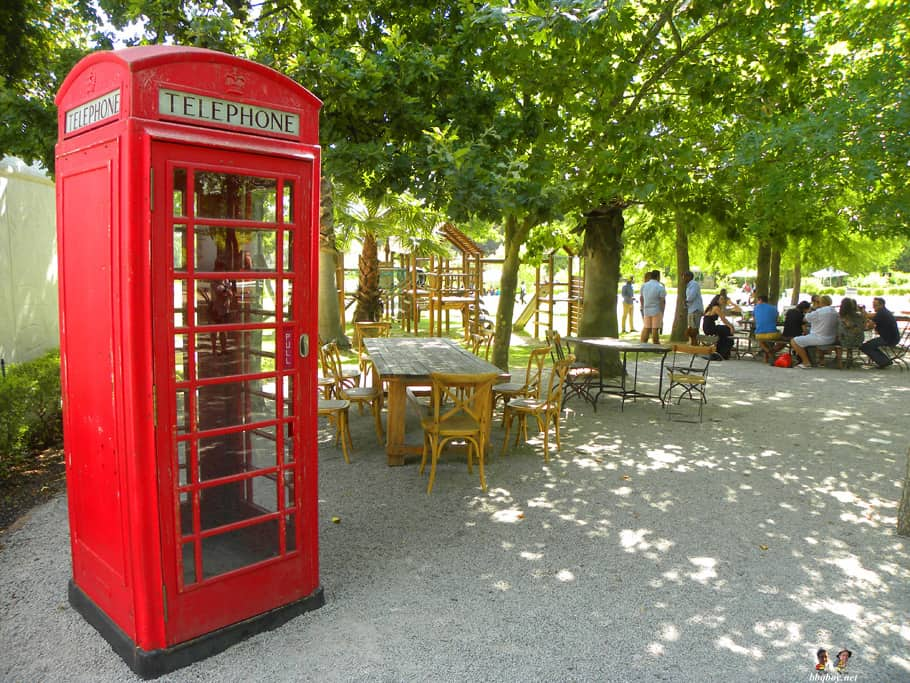 warwick wine estate telephone booth