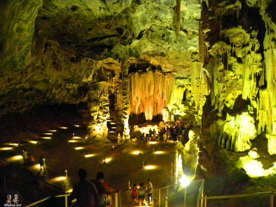 Oudtshoorn cango caves highlight