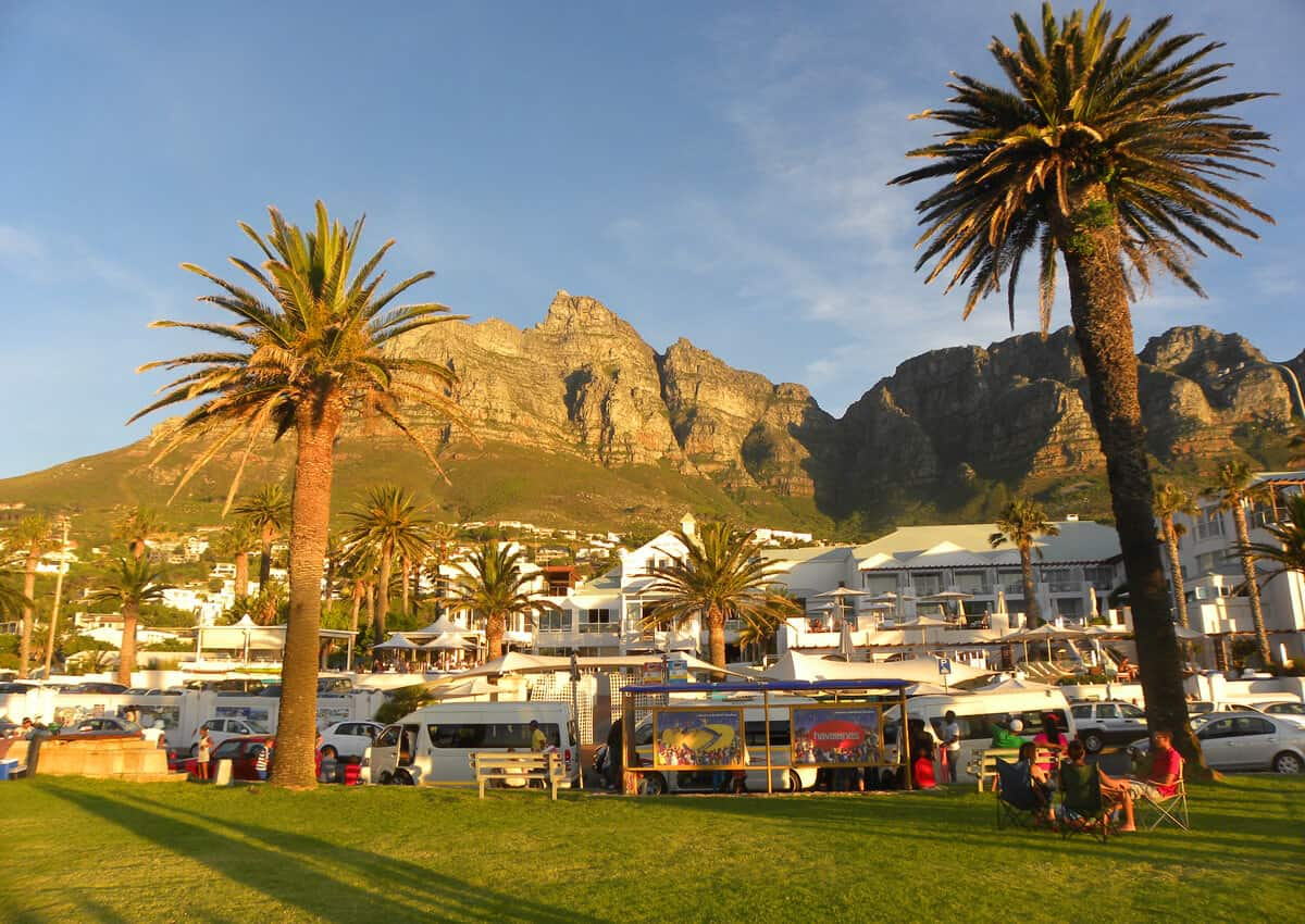 Camps Bay. A guide to walking the Atlantic Coastline of Cape Town