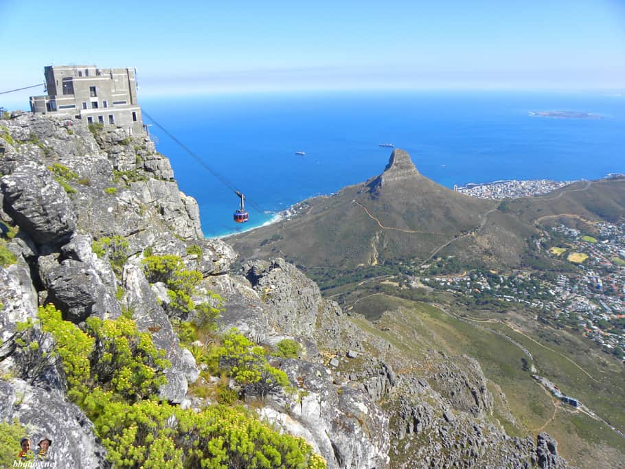 views of cable car, table mountain, cape town