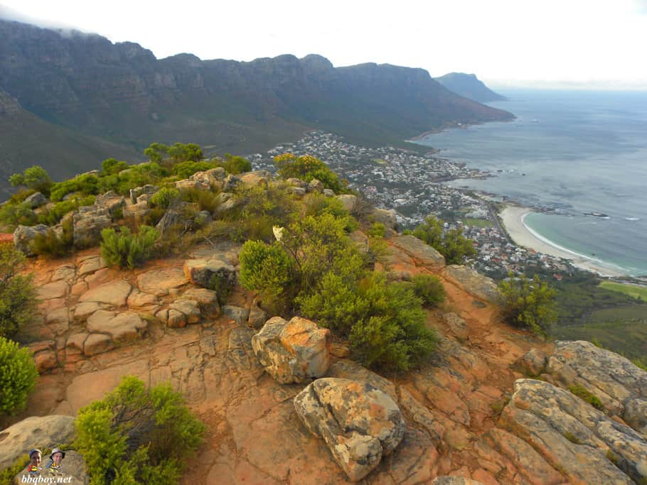 taking the easy trail down Lion's head, cape town