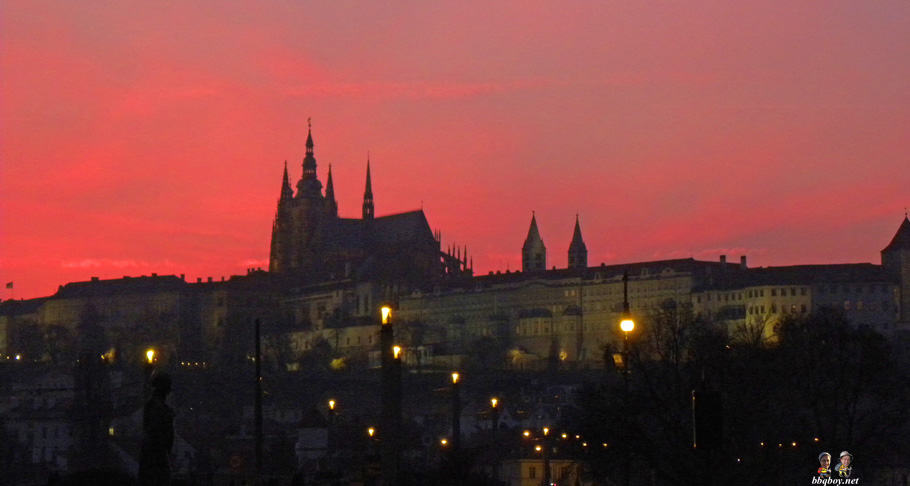 evening shot, prague castle
