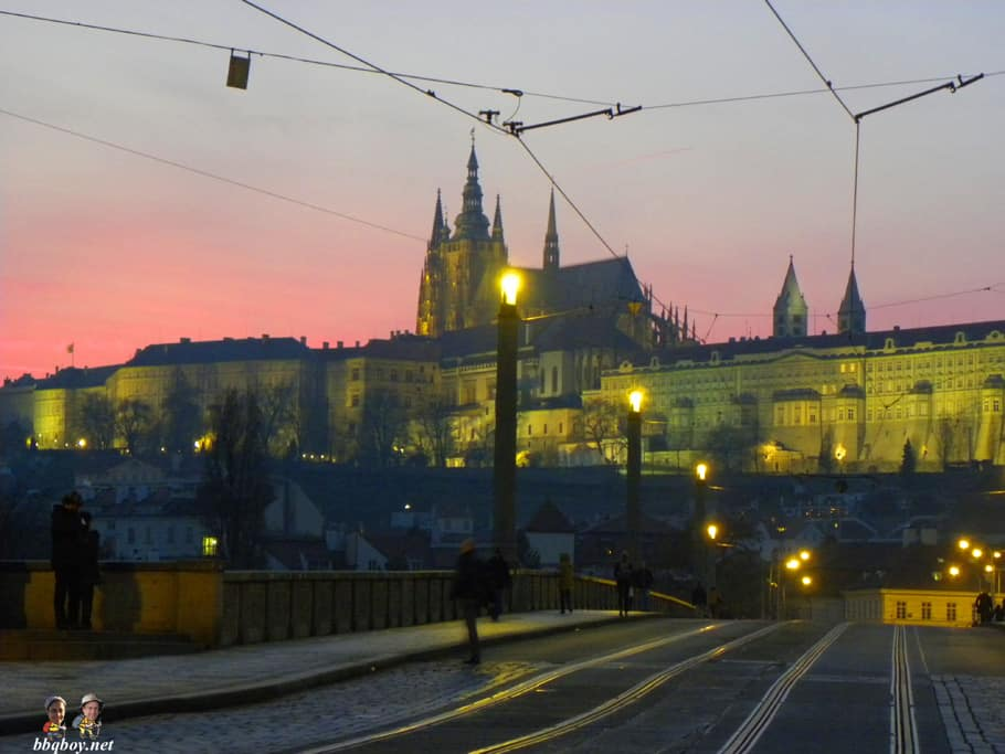 evening shots, prague castle (2)