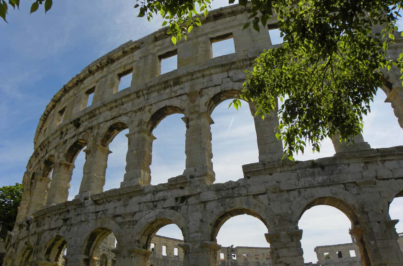 How Pula's Amphitheatre stacks up against other Roman arenas