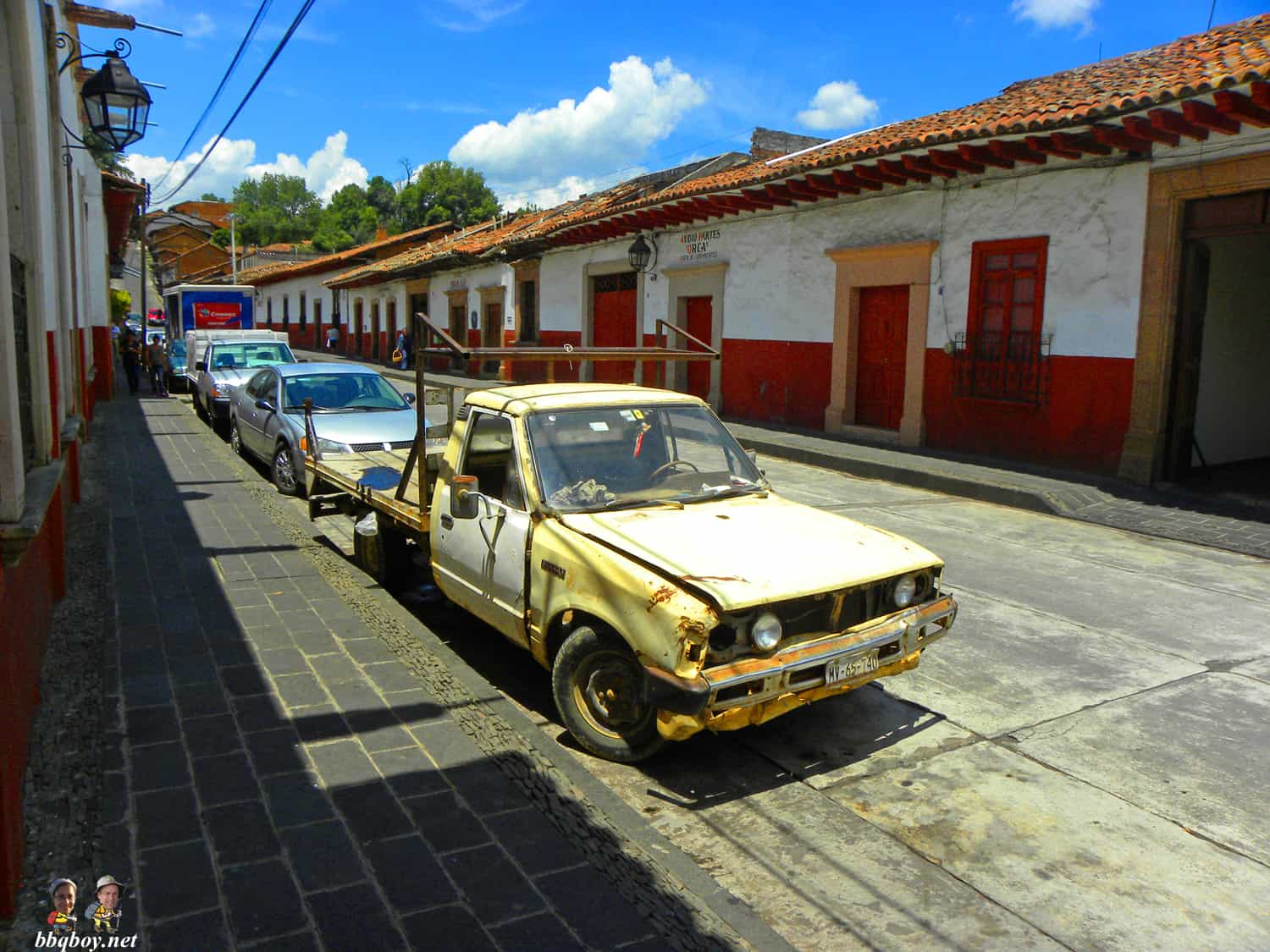 beat up car in Patzcuaro, mexico 2