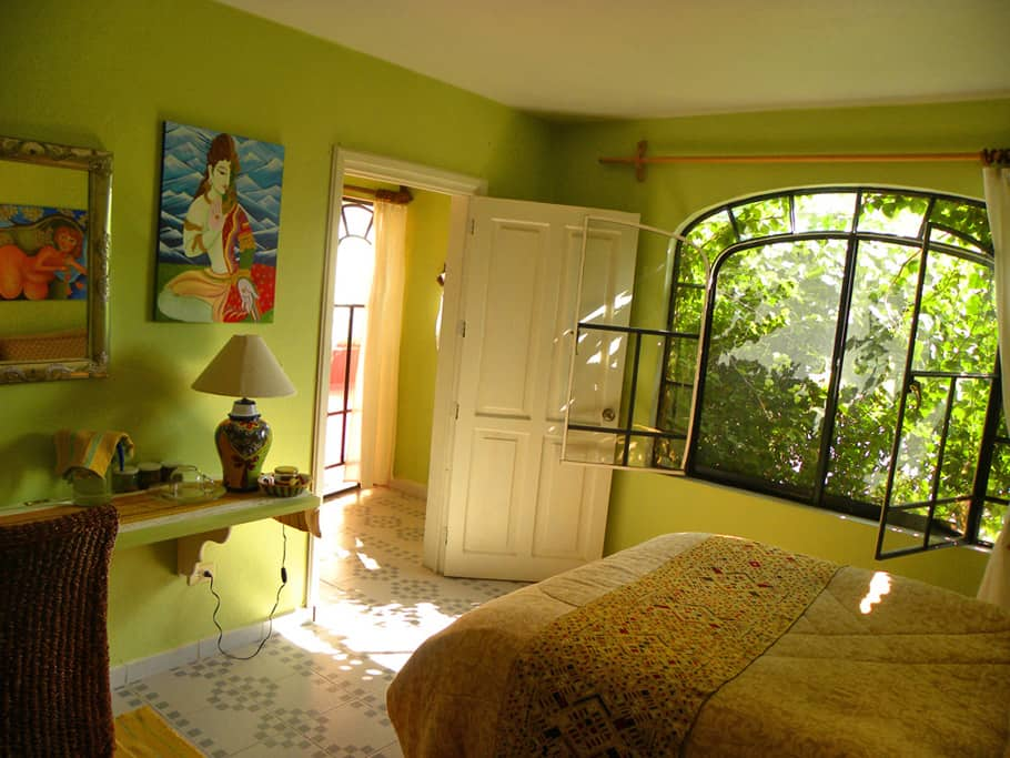 the place to stay in San Miguel de Allende - room