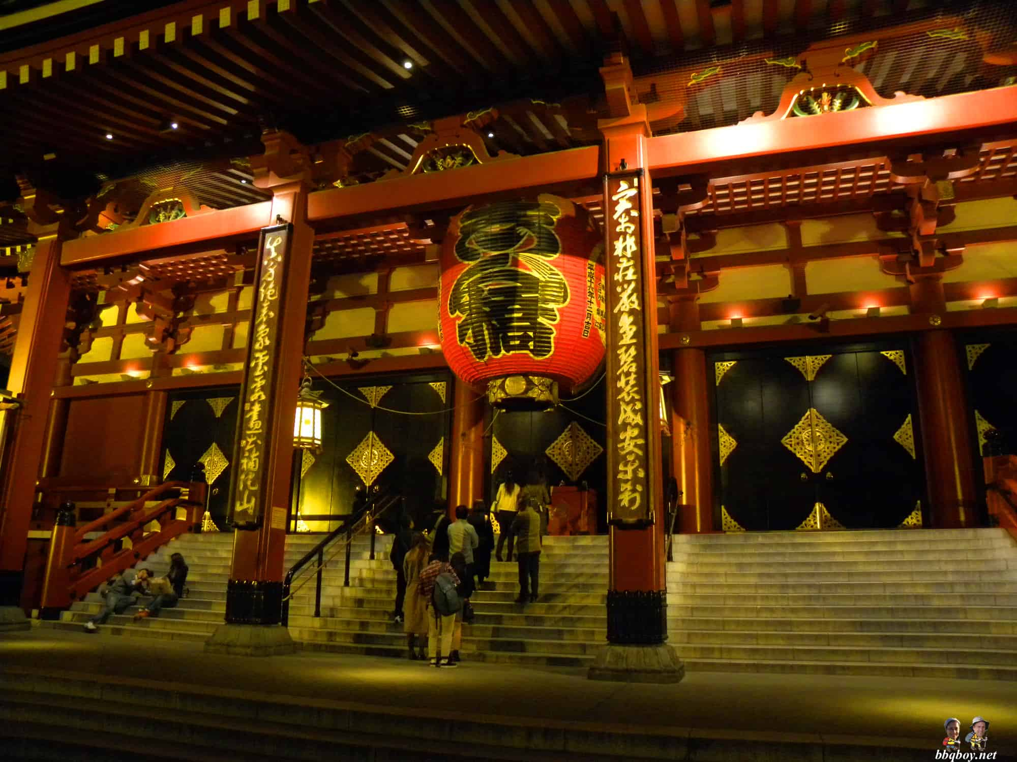 sensoji-temple-at-night