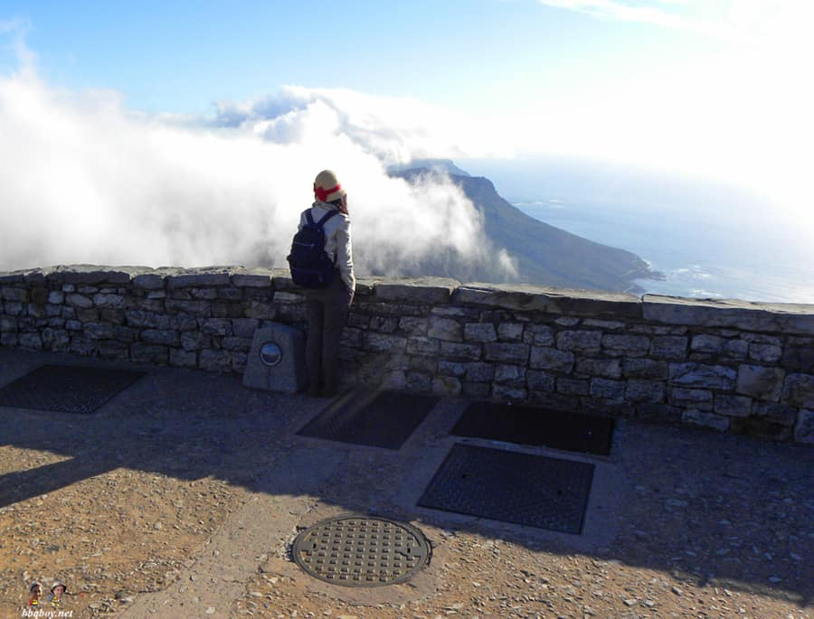 scenic-lookout-Table-Mountain-Cape-Town