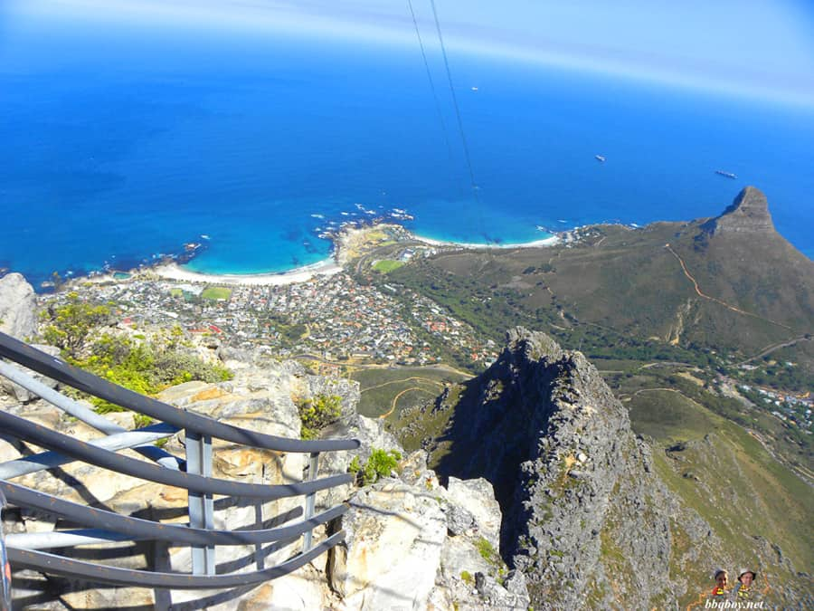 views-of-cape-town-looking-down-from-cable-car-table-mountain (5)