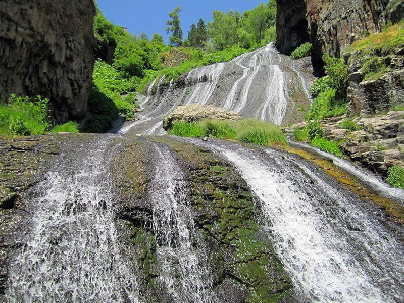 jermuk waterfall