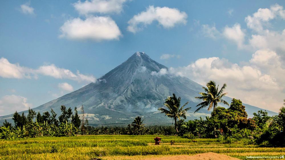 mayon volcano in albay, Philippines