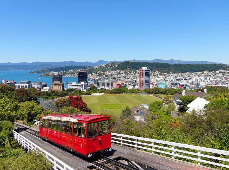 Wellington, New Zealand. New Zealand Travel Guide. Where to Go, What to See, and How to do it.