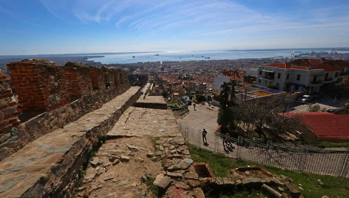 Views from the Alysos Tower. Reasons to visit Thessaloniki (Greece)