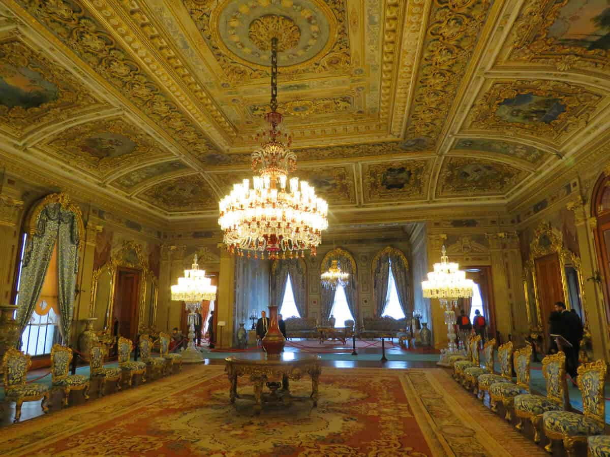 Dolmabahçe Palace, Istanbul. What to see (and what to skip) in Istanbul