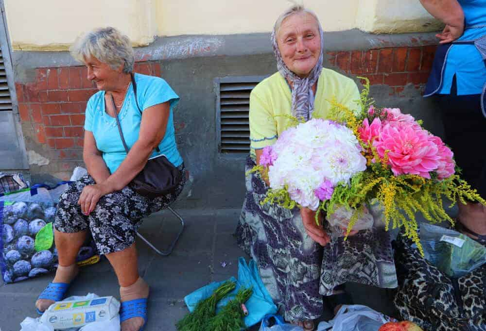Ladies in Ukraine. Are Eastern Europeans unfriendly
