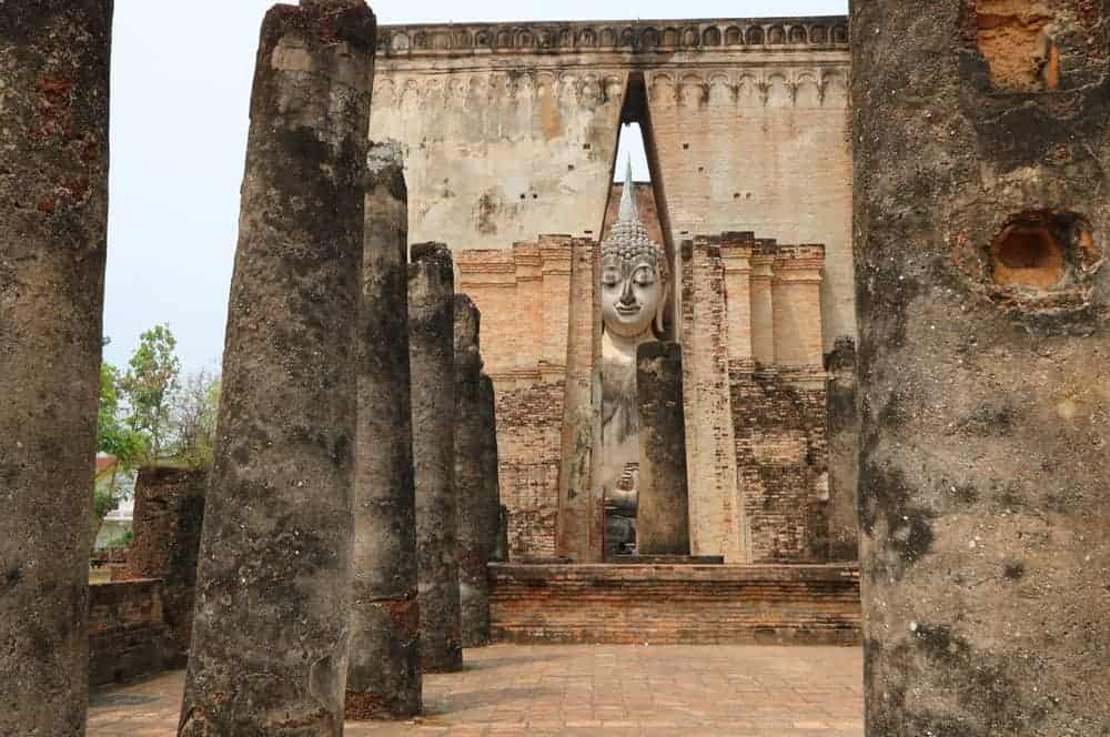 Ayutthaya or Sukhothai – which to Visit? Our vote
